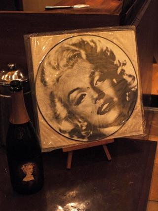 マリリン(レコード2).JPG